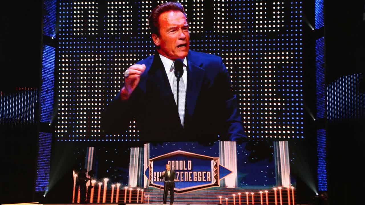 Inductee Arnold Schwarzenegger greets the crowd at the WWE Hall of Fame Ceremony, on Saturday, March 28, 2015 in San Jose, Calif. (Don Feria/AP Images for WWE)