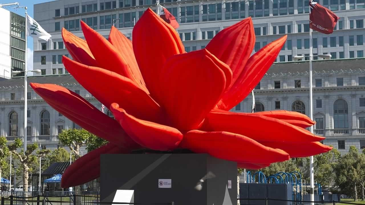 The stunning Breathing Flower kinetic sculpture by Korean artist Choi Jeong Hwa sat in front of San Franciscos City Hall for five months in 2012. <span class=meta>(Library of Congress)</span>