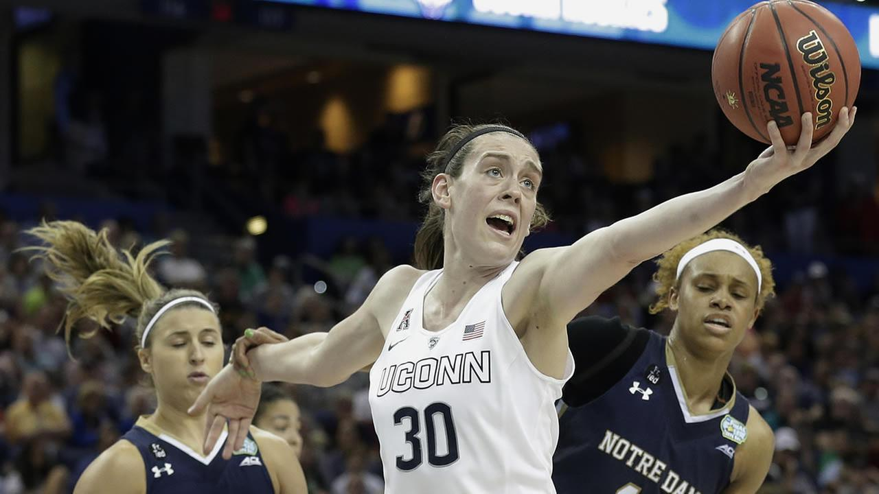 Connecticut forward Breanna Stewart (30) recovers a rebound during the NCAA womens Final Four tournament college basketball championship game, April 7, 2015, in Tampa, Fla. (AP Photo/Brynn Anderson)