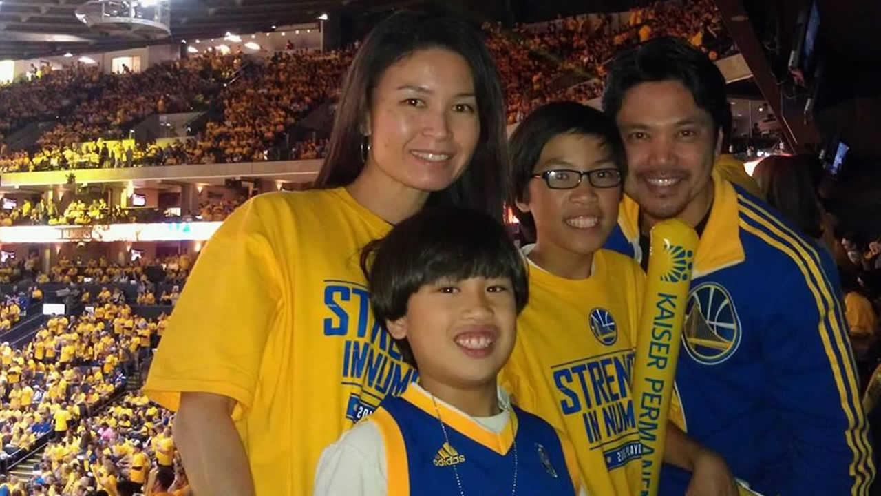 Golden State Warriors fans are showing off their #DubNation pride! Tag your photos on Facebook, Twitter, Google Plus, or Instagram using #DubsOn7!