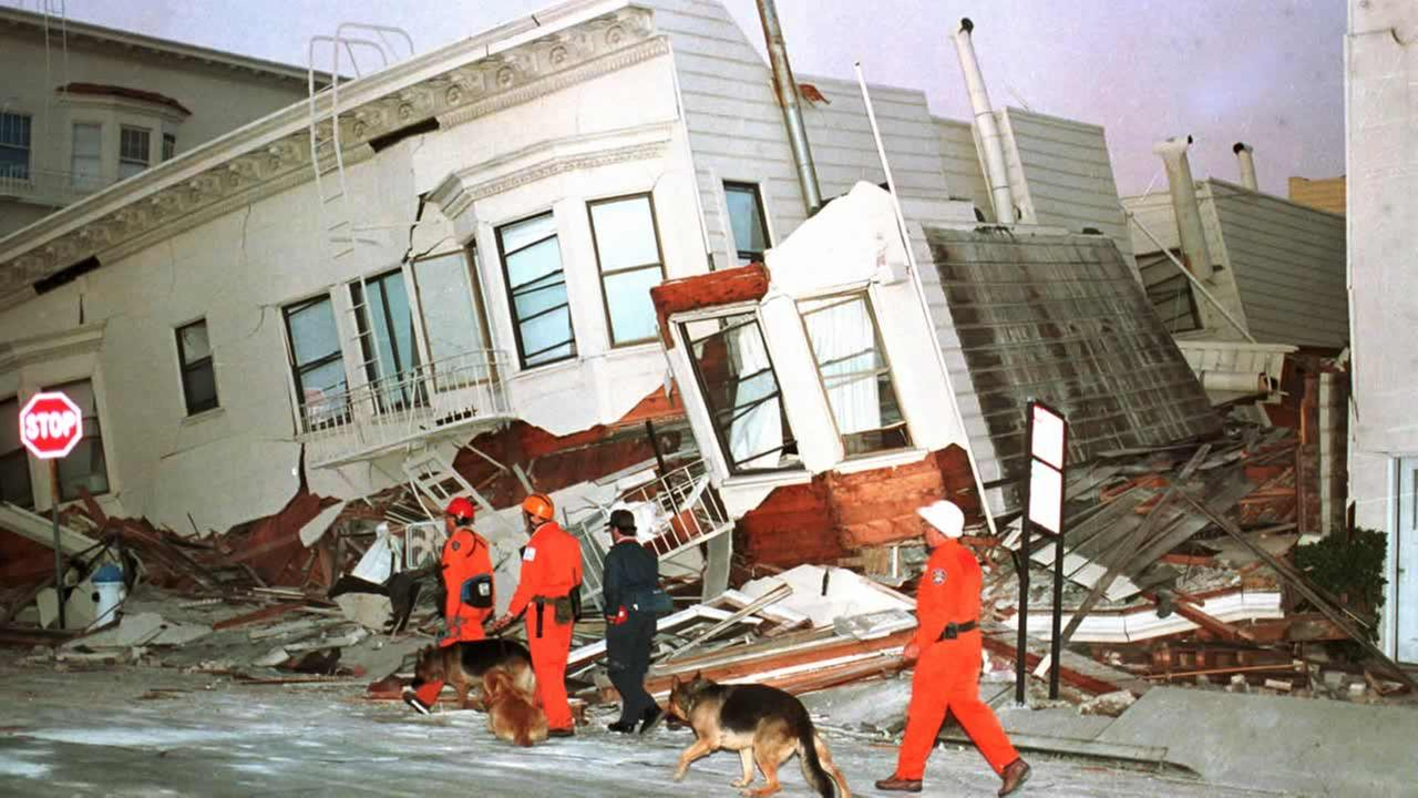 San Franciscos Marina District after 1989s Loma Prieta earthquake.