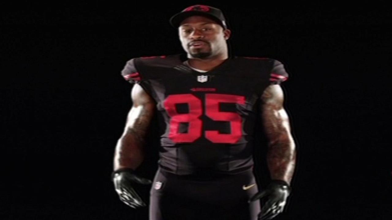 San Francisco 49ers Tight End Vernon Davis shows off teams black alternate uniform.