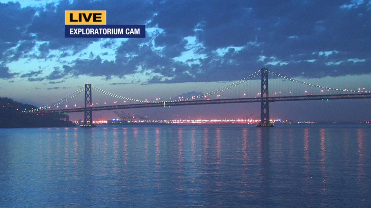 The start of a sunrise is seen from ABC7 News Exploratorium camera in San Francisco on May 7, 2015.KGO-TV