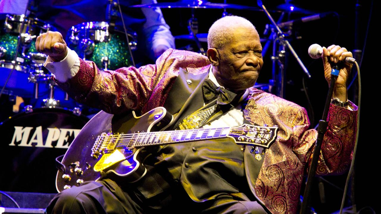 BB King performs at Club Nokia