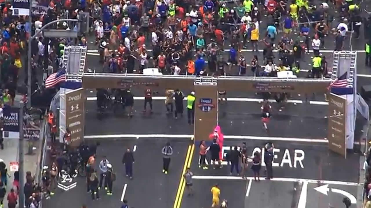 Thousands of runners line up to participate in San Franciscos annual Bay to Breakers Race on May 17, 2015.KGO-TV