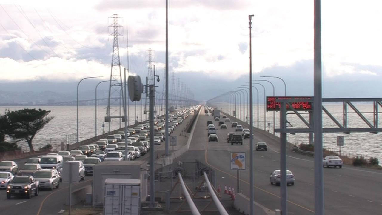 traffic on the San Mateo Bridge