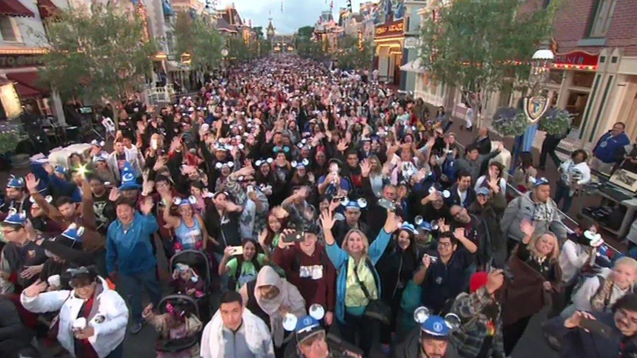 Crowd at Disneyland for Diamond Celebration.