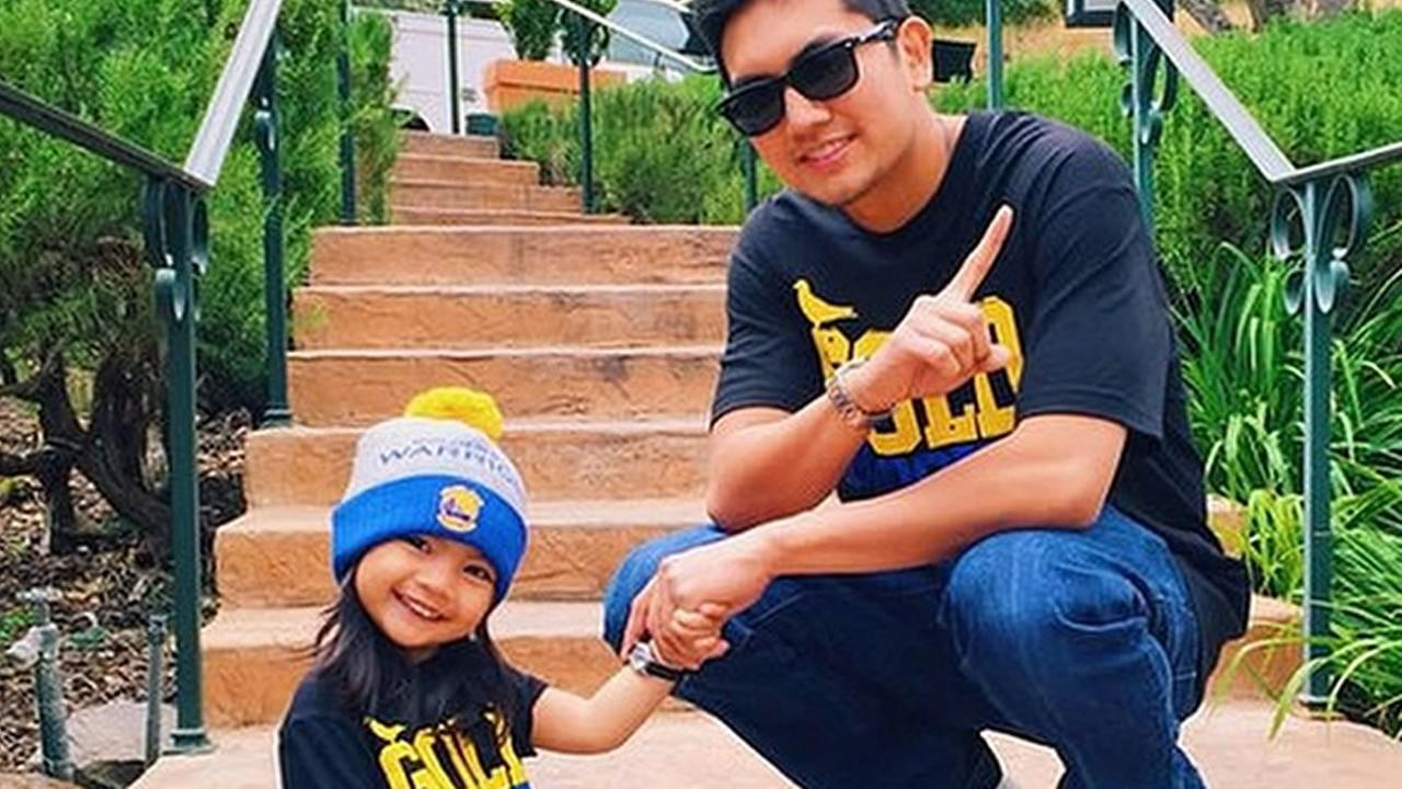 This Warriors fan is a Steph Curry fan! Tag your photos on Facebook, Twitter, Google Plus or Instagram using #DubsOn7.