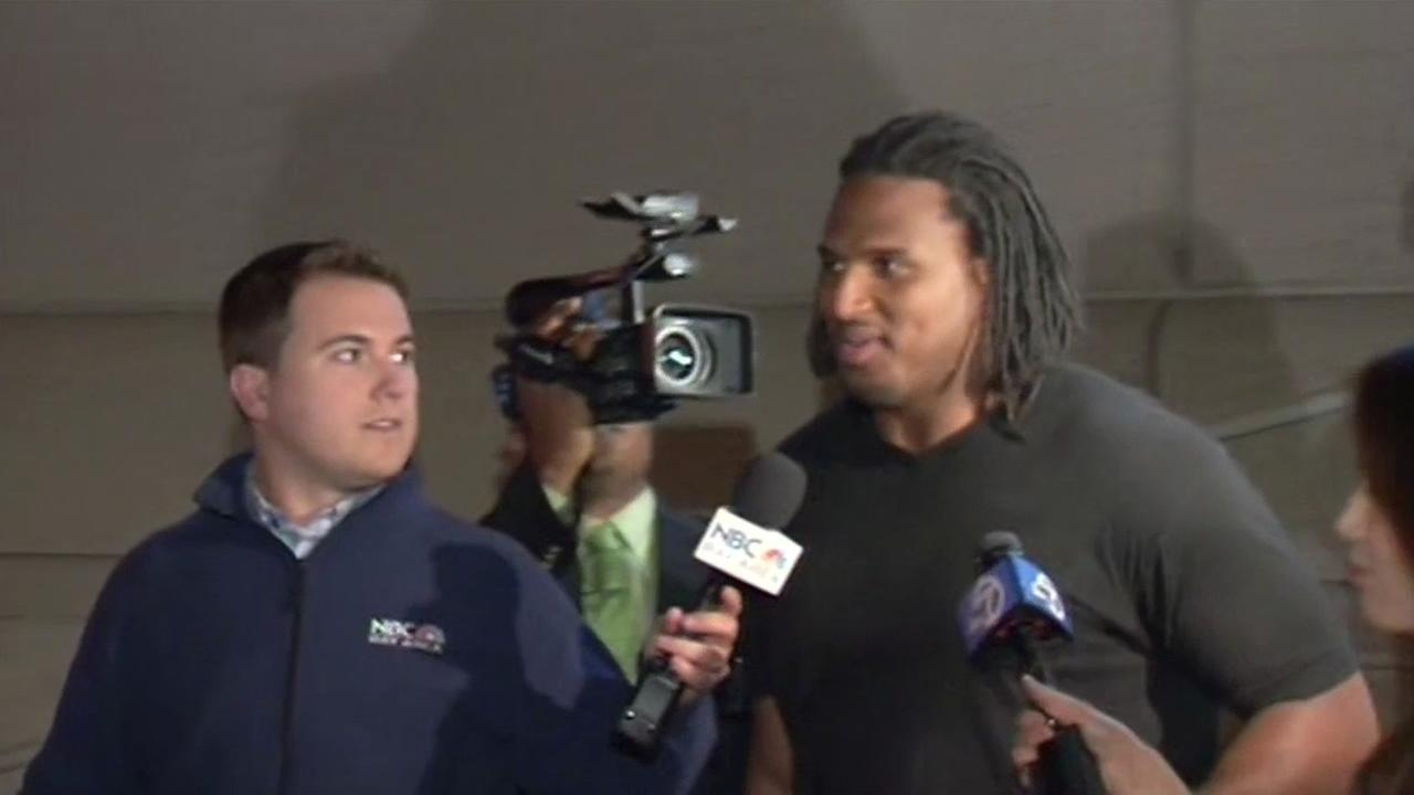 Former San Francisco 49er Ray McDonald walks out of Santa Clara County Jail after posting bail.