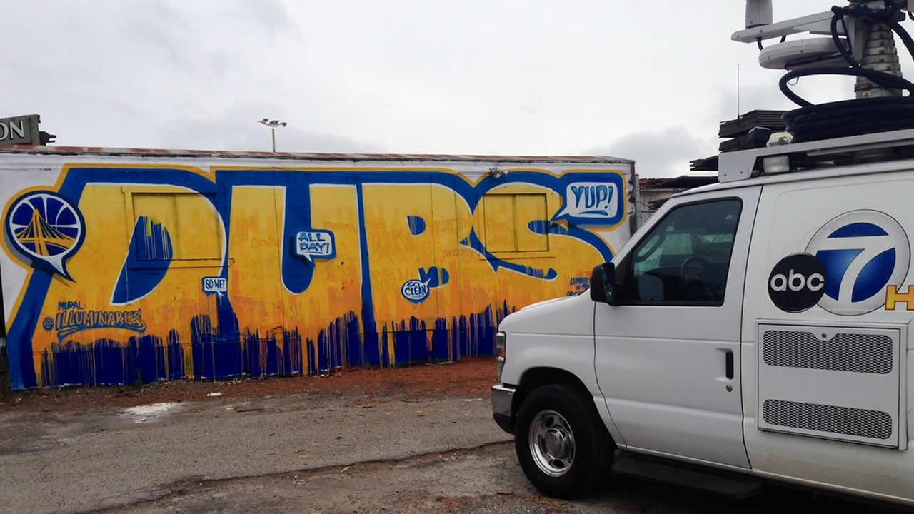Check out this mural supporting the Golden State Warriors in Albany, Calif.! Tag your photos on Facebook, Twitter, Google Plus or Instgram using #DubsOn7.KGO-TV/Abe Mendoza