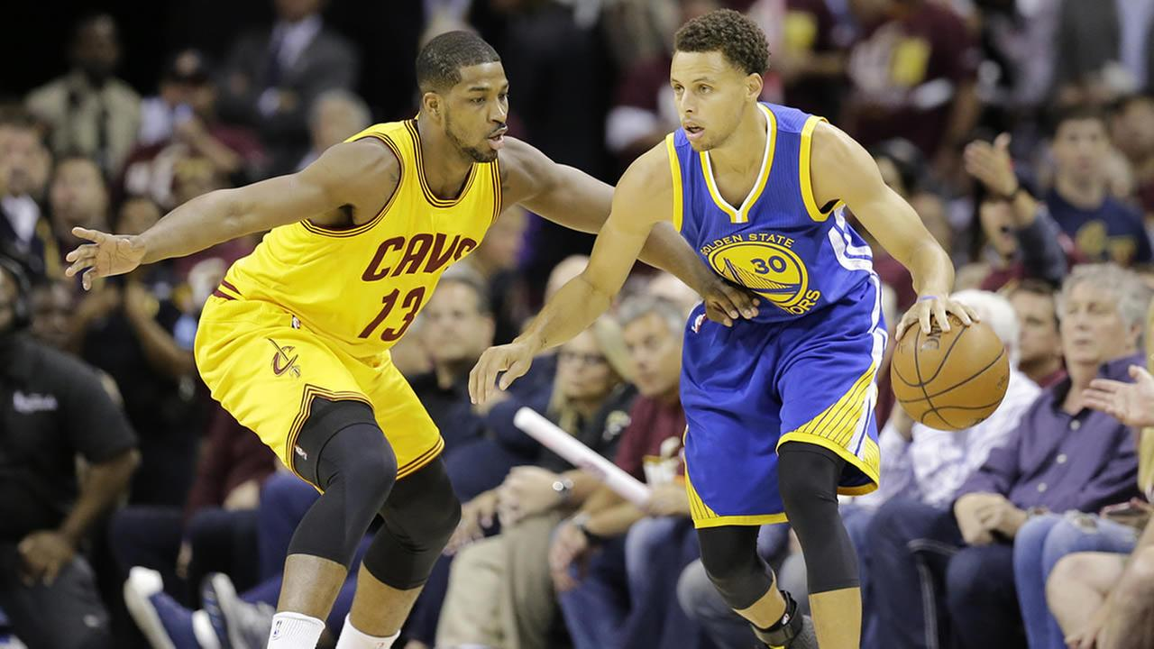 Tristan Thompson defends Stephen Curry