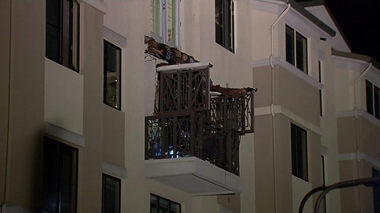 Apartment Building Berkeley photos: six killed in balcony collapse in berkeley | abc7news
