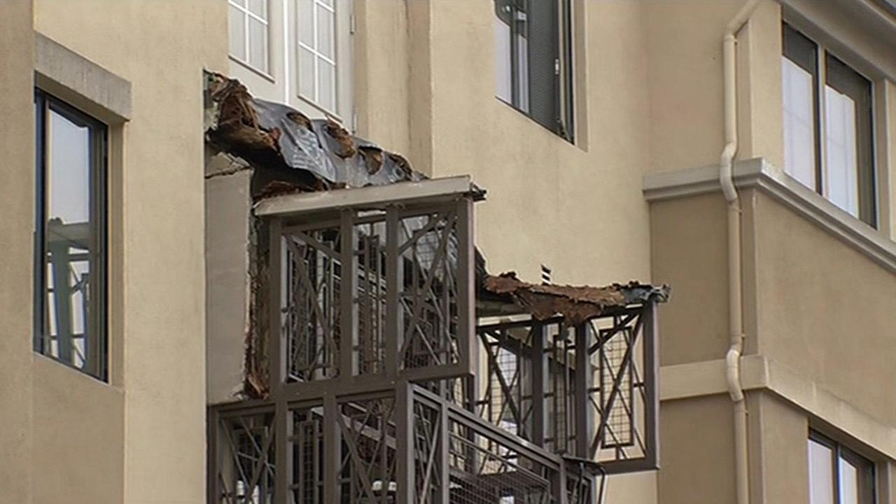 Balcony collapse in san francisco engineering failures for Balcony translate