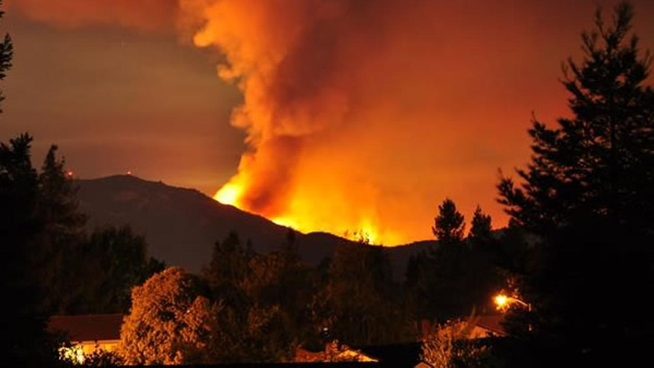 Clayton residents flee as fire on Mt. Diablo quickly spreads