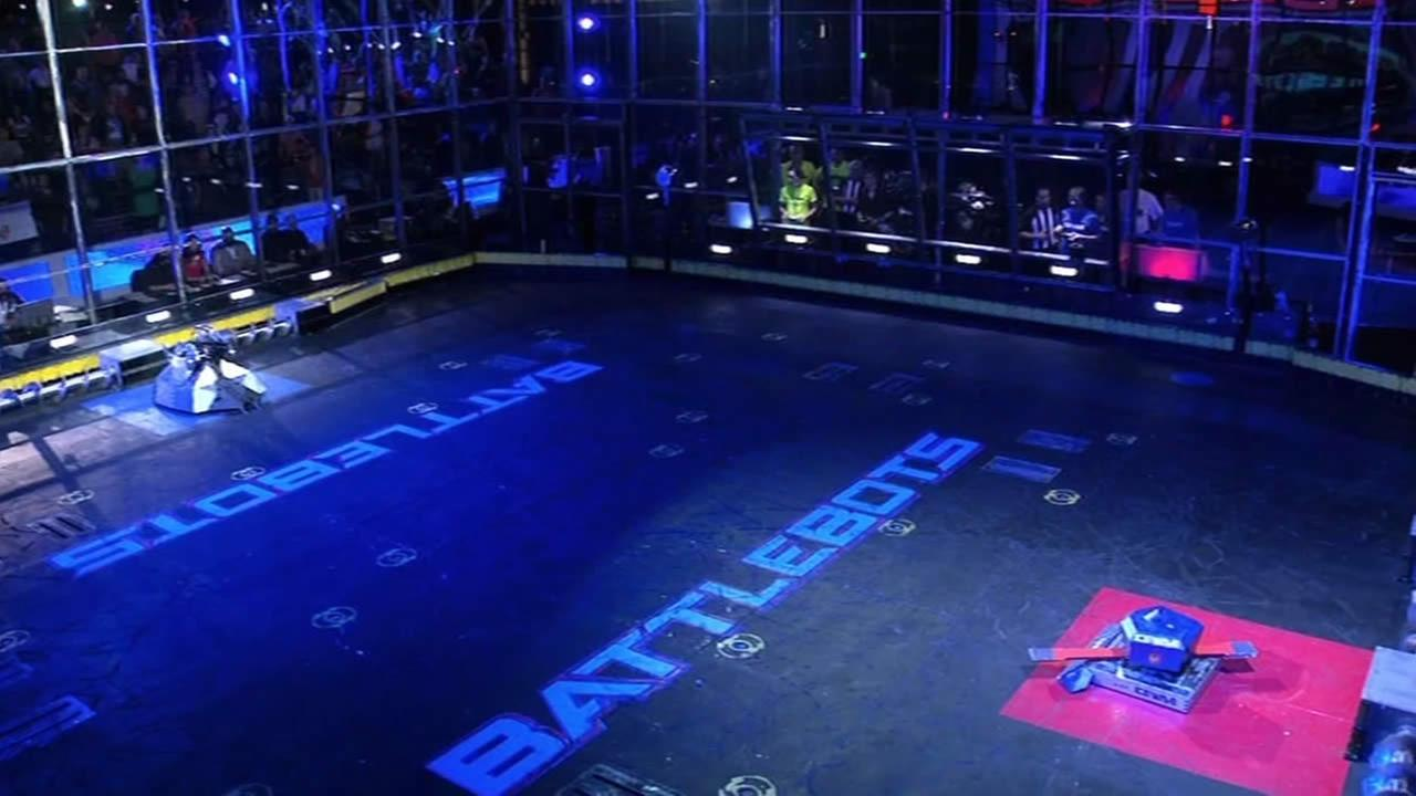 The hit television show BattleBots returned to ABC on July 5, 2015.