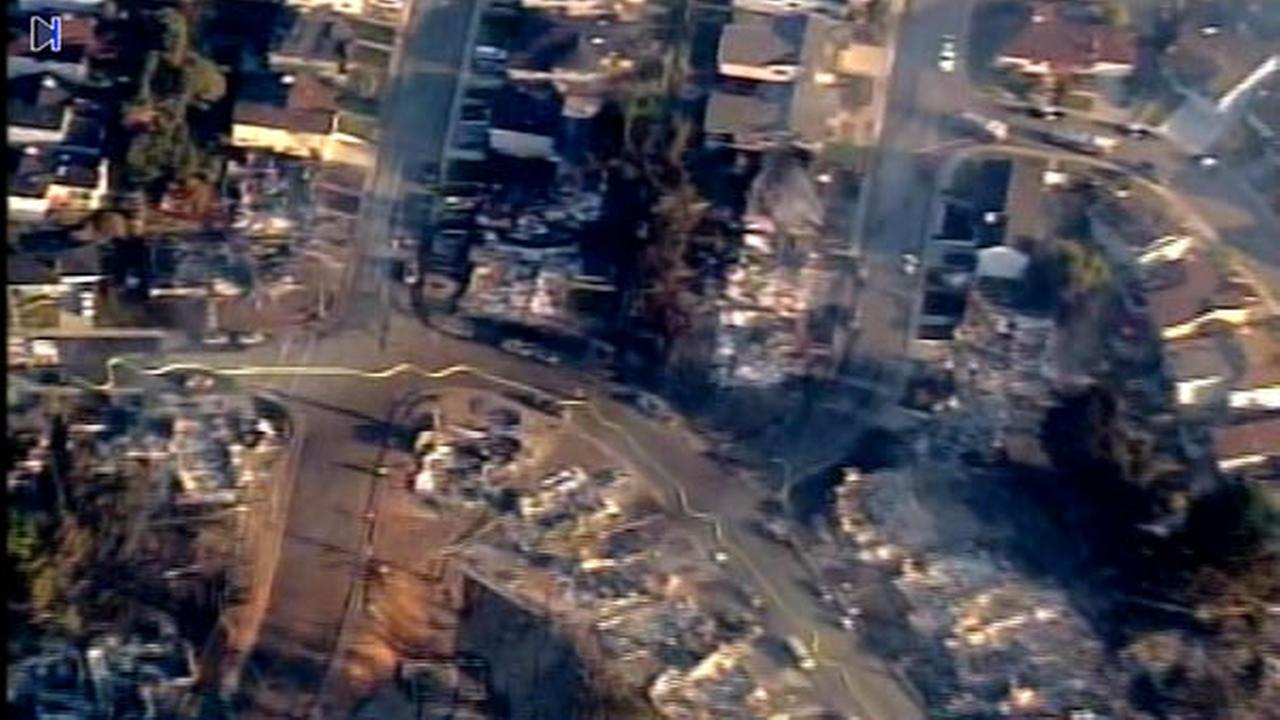 The San Bruno fire and explosion scene from SKY7 early Friday morning.