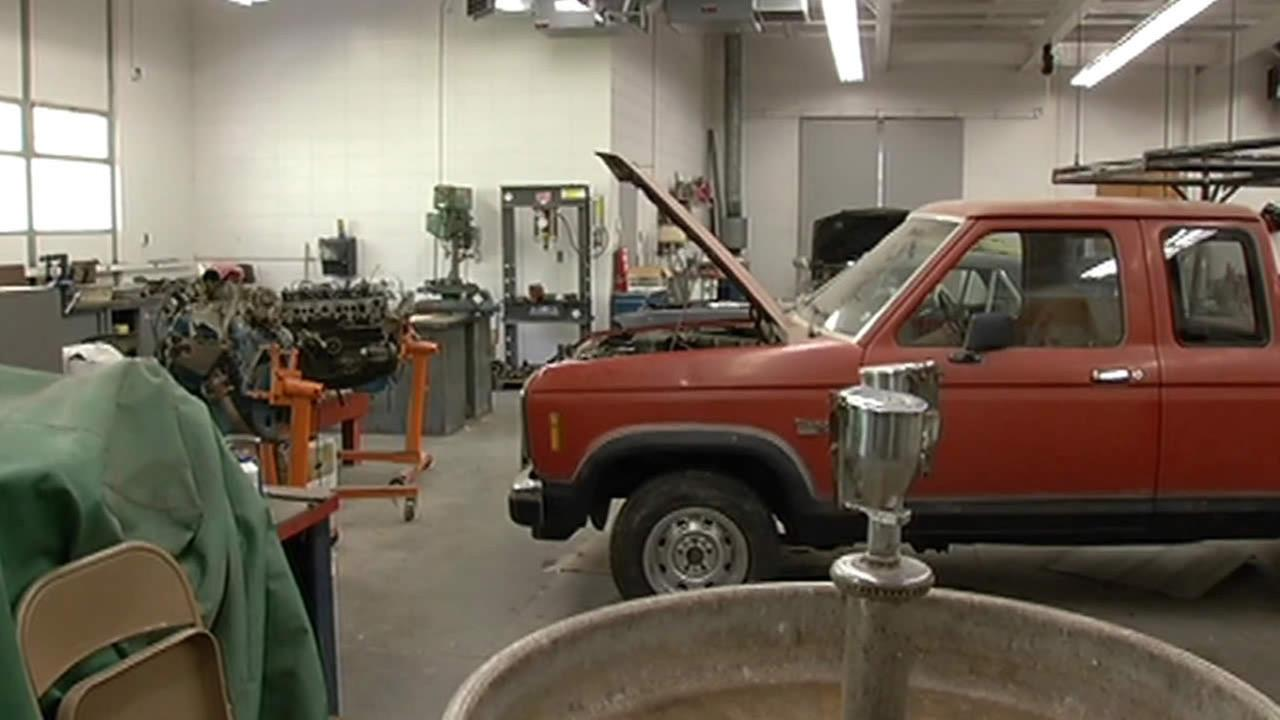 auto shop program at El Camino High School