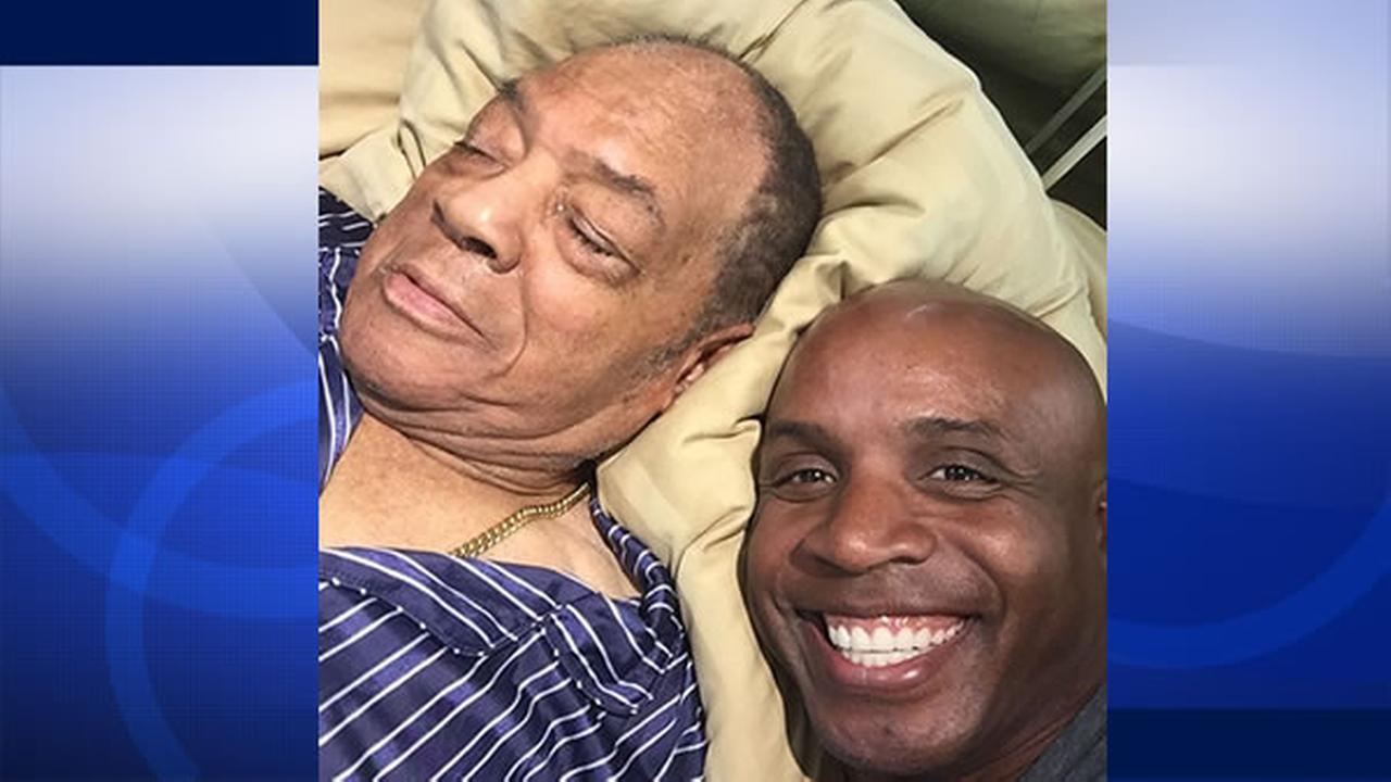 Barry Bonds shared this selfie photo with Willie Mays on Instagram.