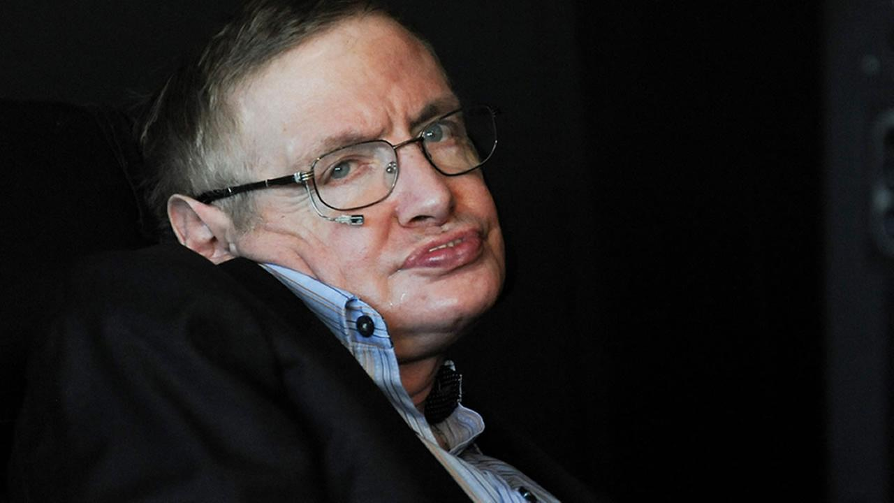 British physicist Stephen Hawking attends the 2010 World Science Festival opening night gala performance at Alice Tully Hall on Wednesday, June 2, 2010 in New York. (AP Photo/Evan)