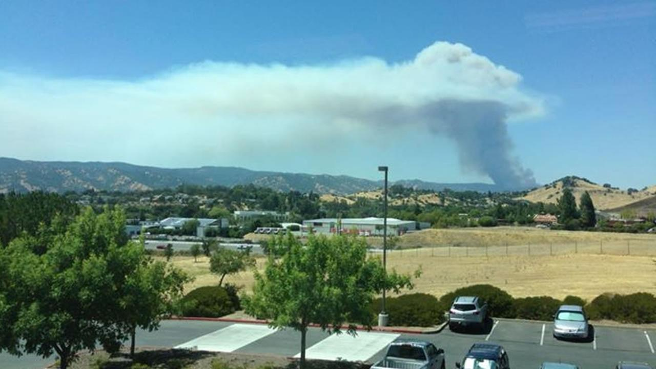 ABC7 News viewer snapped this photo of smoke from the Wragg Fire burning near Lake Berryessa on Tuesday, July 28, 2015.Tony Lee /Facebook