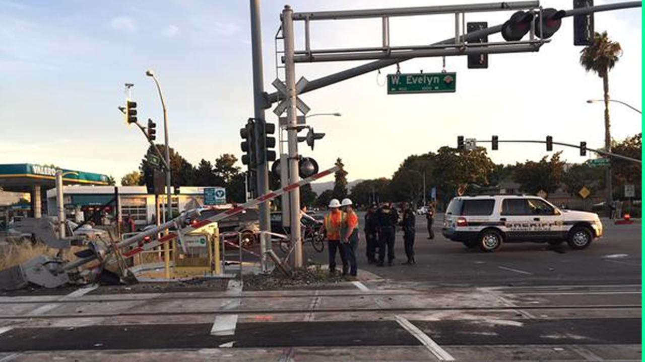 San Mateo deputies rescued a driver from from a car crash and an oncoming train at a Caltrain crossing in Sunnyvale, Calif, August 3, 2015.