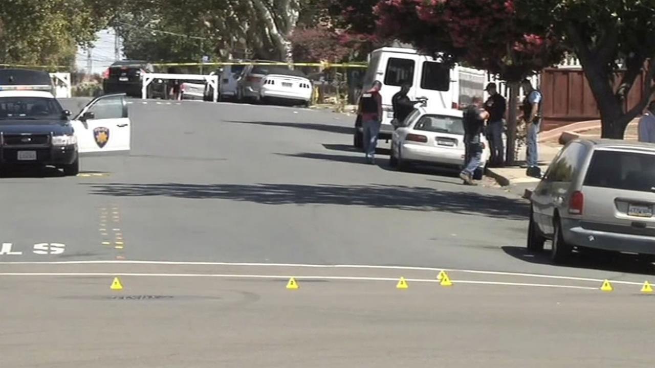 A police officer and a suspect were both injured after exchanging gunfire on Wednesday, August 5, 2015 in Pittsburg, Calif.