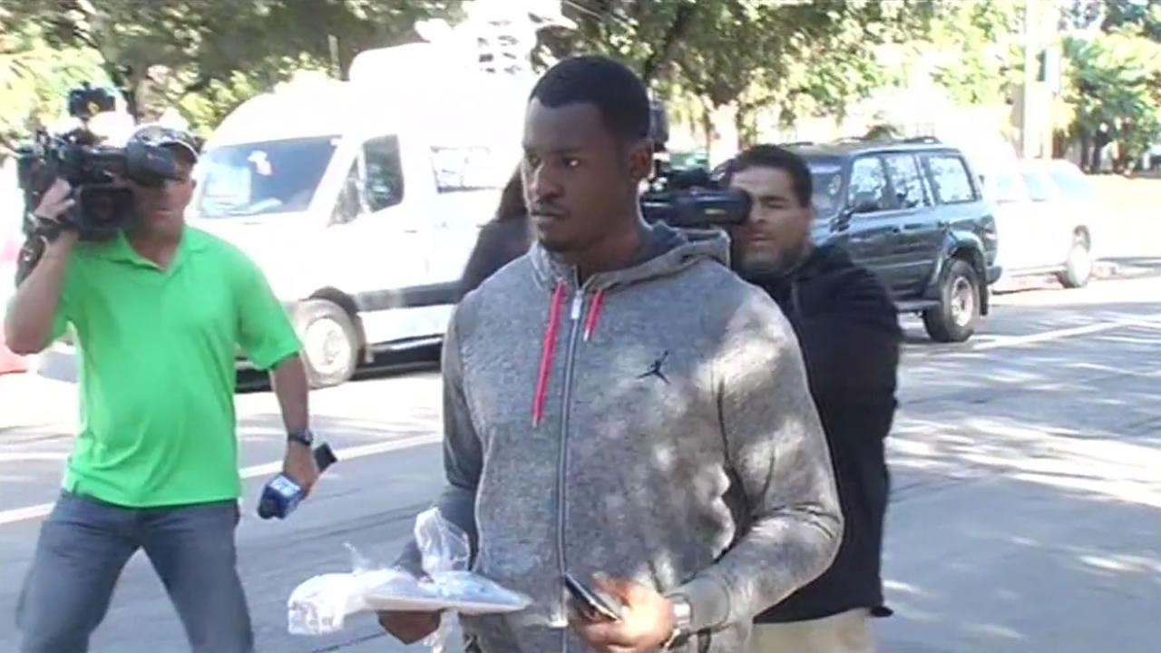 Aldon Smith leaves the Santa Clara, Calif. jail August 7. 2015 after he was arrested on DUI charges.