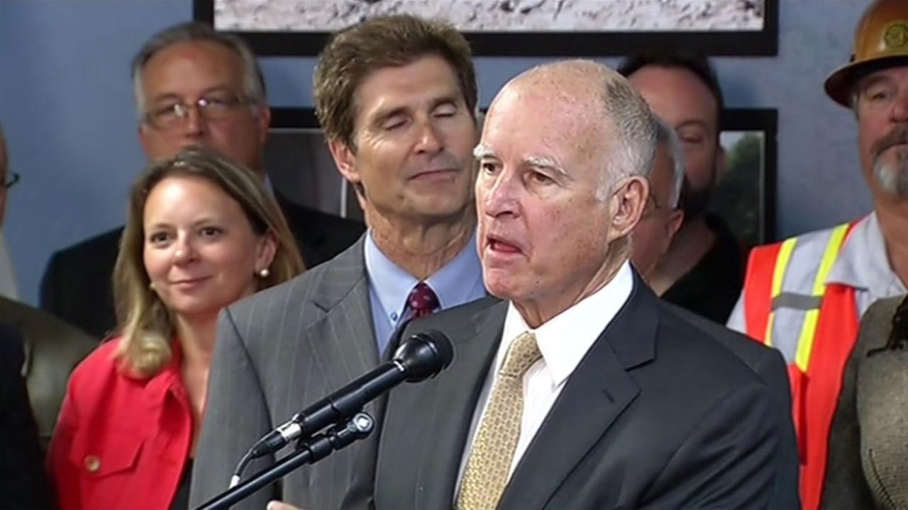 Calif. Governor Jerry Brown speaks at meeting at the Port of Oakland focused on the states rogh roads.