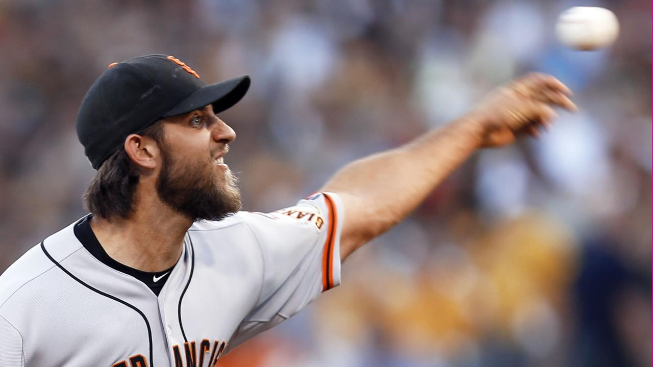 San Francisco Giants starting pitcher Madison Bumgarner throws against the Pittsburgh Pirates in the first inning of a baseball game, Friday, Aug. 21, 2015, in Pittsburgh.
