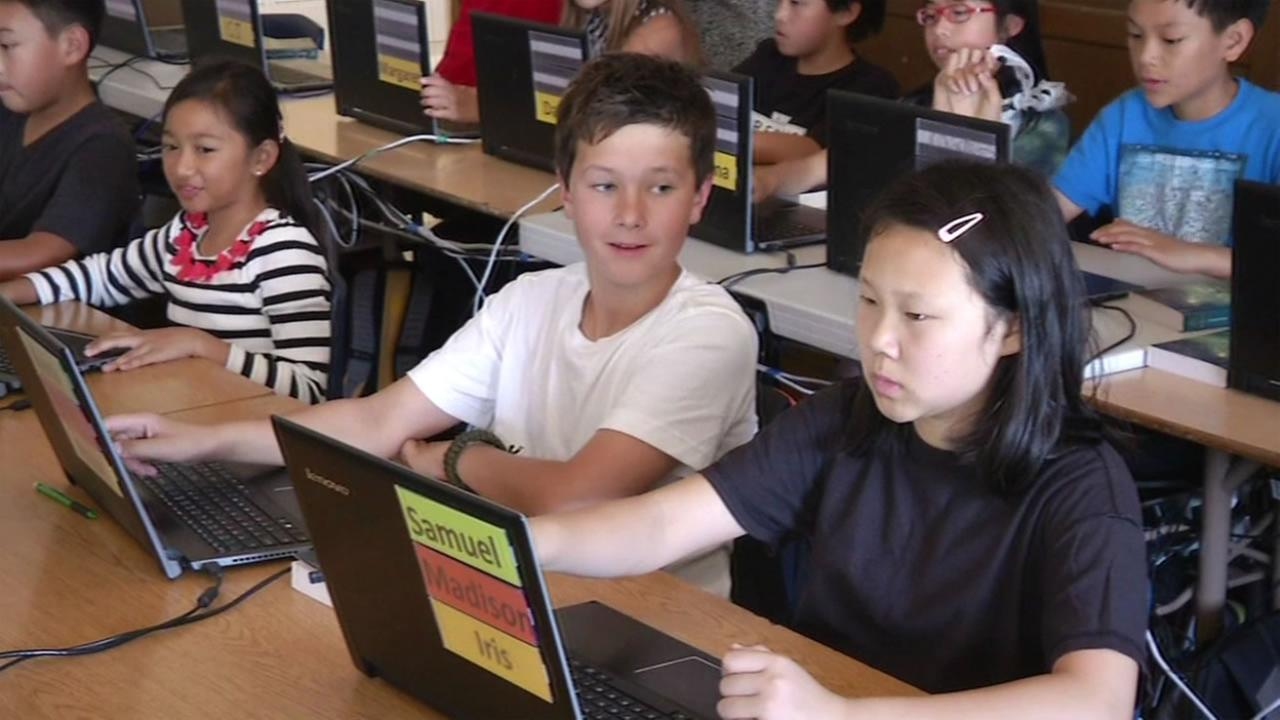 Students learn computer science at Presidio Middle School August, 24, 2015.