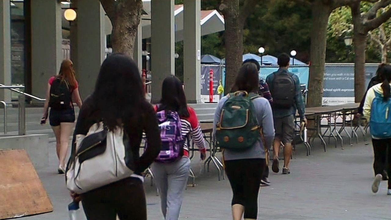 Students walk on UC Berkeley campus, Wednesday, September 2, 2015.