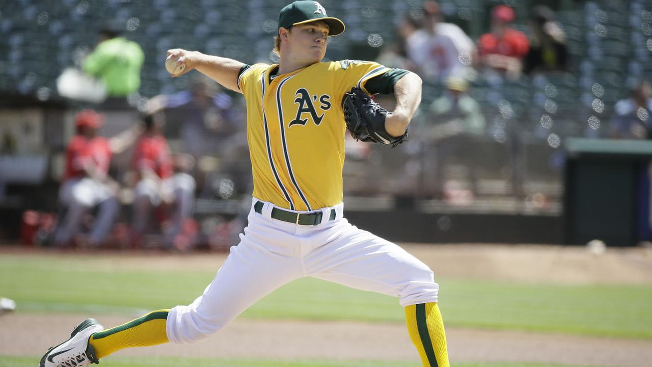 Oakland Athletics starting pitcher Sonny Gray throws in the first inning of a baseball game against the Los Angeles Angels, Wednesday, Sept. 2, 2015, in Oakland, Calif.