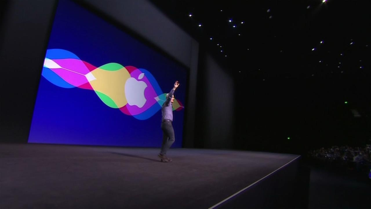 Apple CEO Tim Cook walked out to a capacity crowd at the #AppleEvent in San Francisco on Wednesday, September 9, 2015.KGO-TV