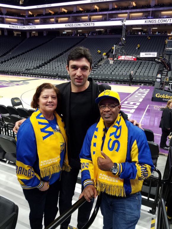 <div class='meta'><div class='origin-logo' data-origin='none'></div><span class='caption-text' data-credit='Photo submitted to KGO-TV by @GillPronio/Twitter'>Warriors fans show their spirit during the 2017-2018 season. Share your photos using #DubsOn7 and you may see them online or on TV!</span></div>