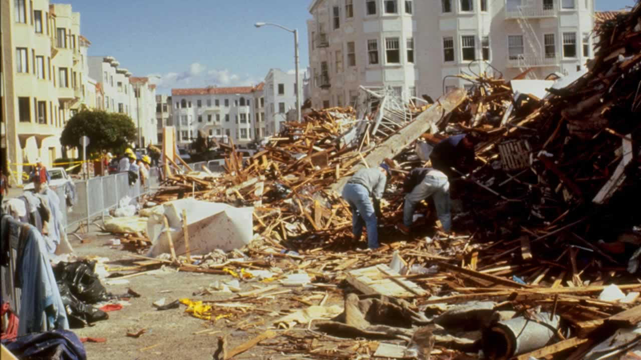 san francisco loma prieta earthquake 1989 essay October 17, 1989 the loma prieta earthquake killed over 60 people, injured 3,757 and caused over $6,000,000 ,000 in damage it was the largest earthquake to occur since the 1906 earthquake in san francisco.
