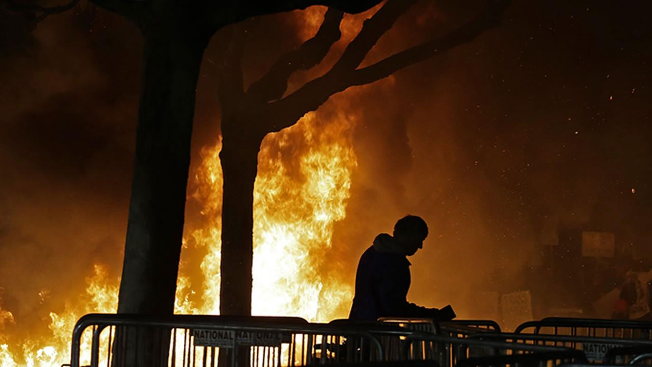 Protesters gather on the UC Berkeley campus after the cancelation of Milo Yianoppoulos event on Feb. 2, 2017.AP Photo/Ben Margot