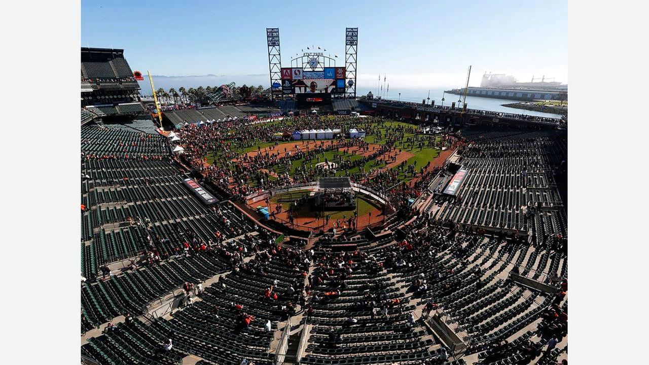 SF Events: Giants FanFest, SF Beer Week, Valentine's Day Celebrations, More
