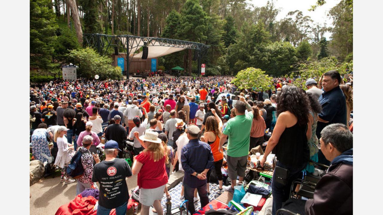 A concert at the Stern Grove Festival.   Photos: Cheryl Guerrero/Hoodline