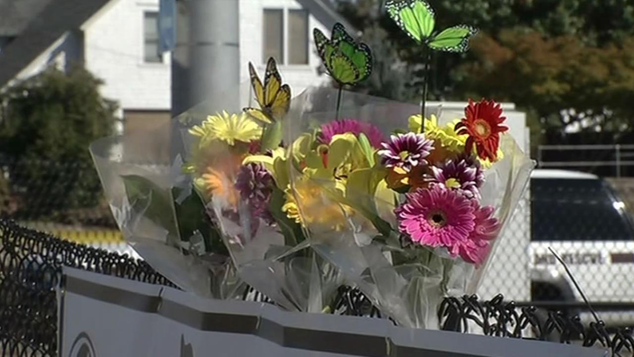 flowers for victims in Oregon