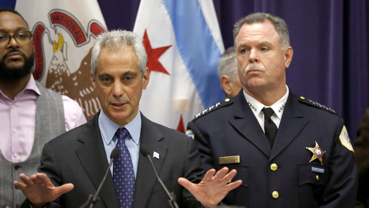 Chicago Mayor Rahm Emanuel, left, and Police Superintendent Garry McCarthy appear at a news conference, Tuesday, Oct. 24, 2015, in Chicago.