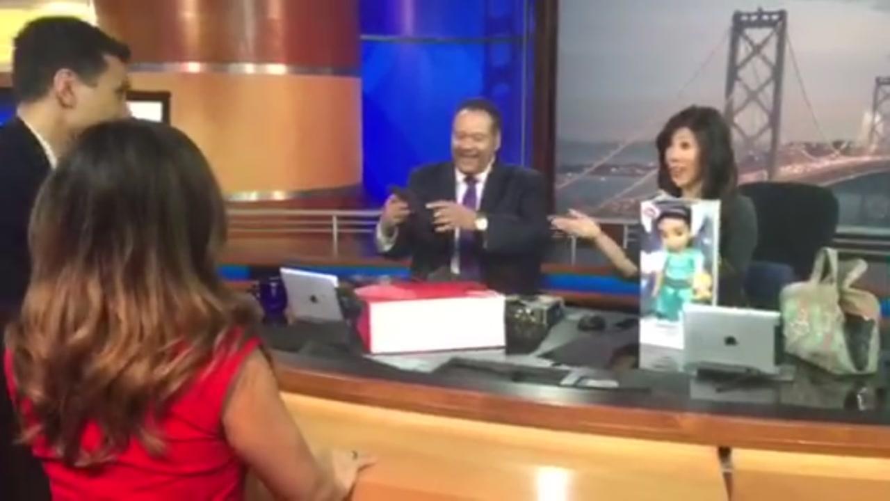Reggie Aqui, Natasha Zouves give Eric Thomas, Kristen Sze gifts