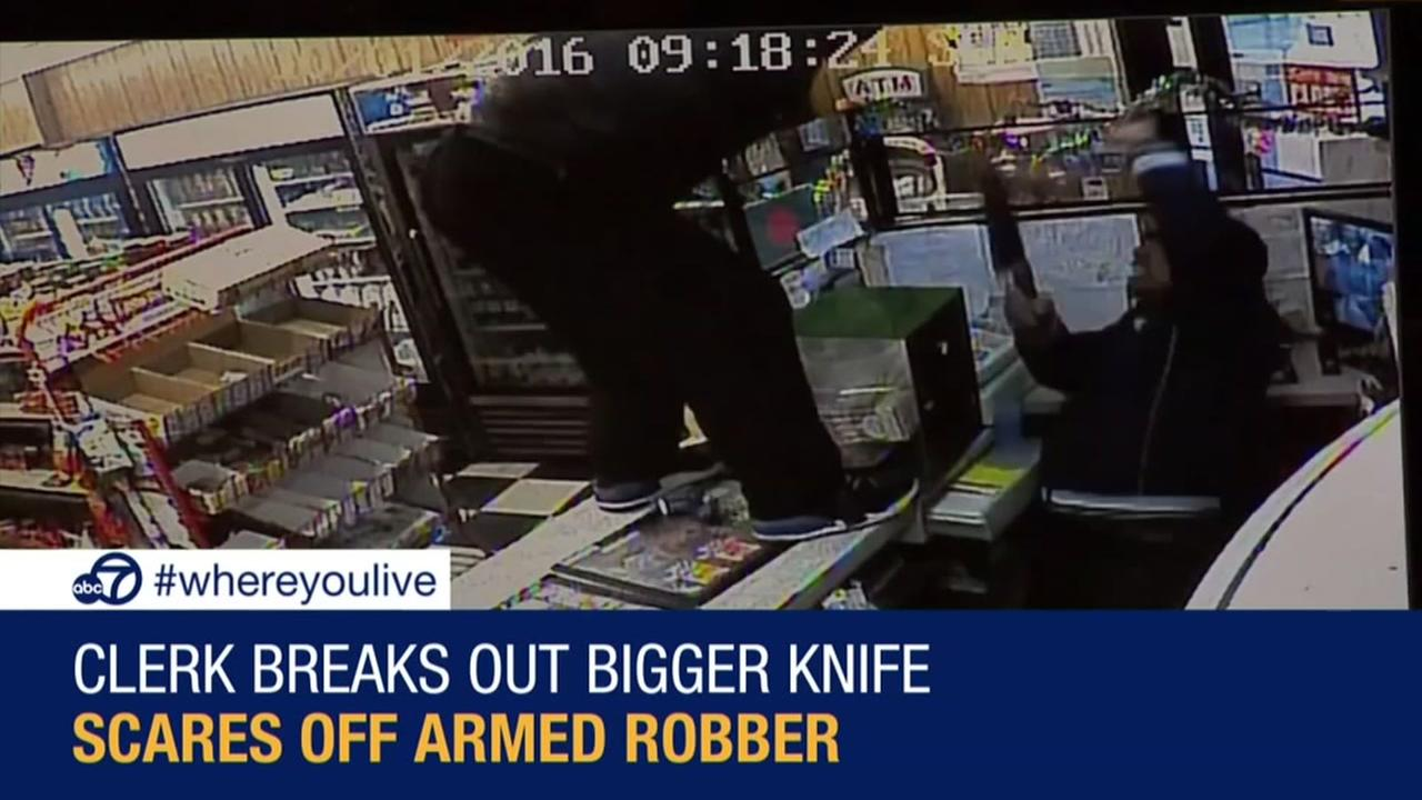 KNOW AND TELL: Clerk scares off armed robber with bigger knife