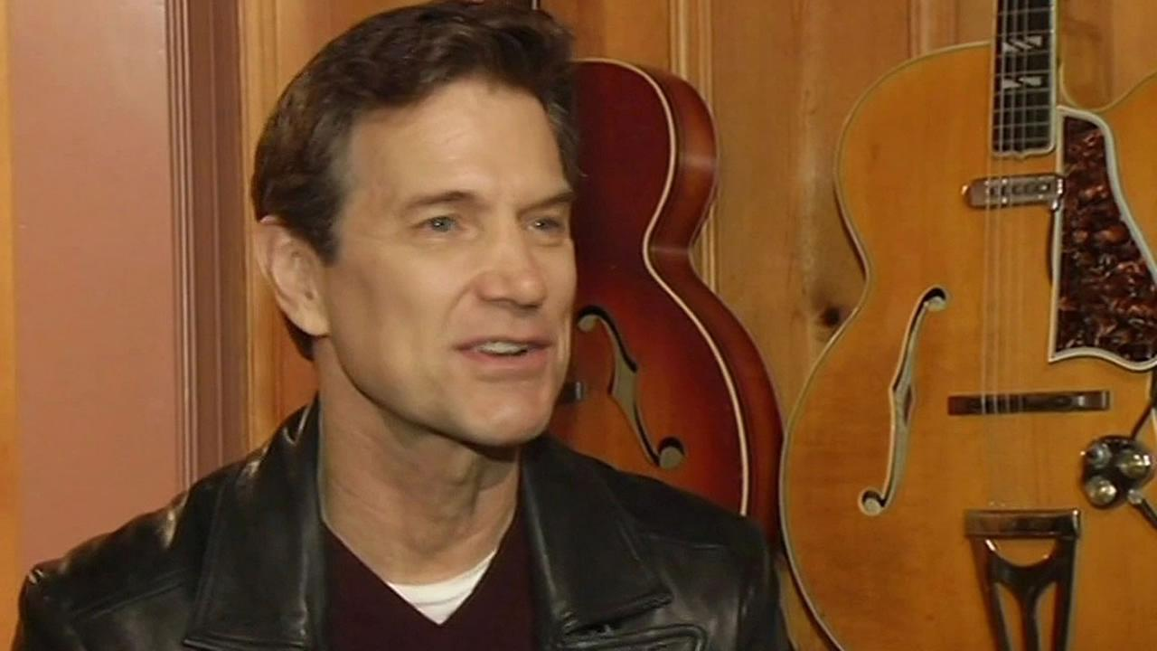 Rock musician Chris Isaak