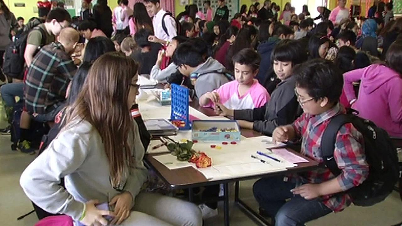 lunchroom at Fernando Rivera Middle School packed with students