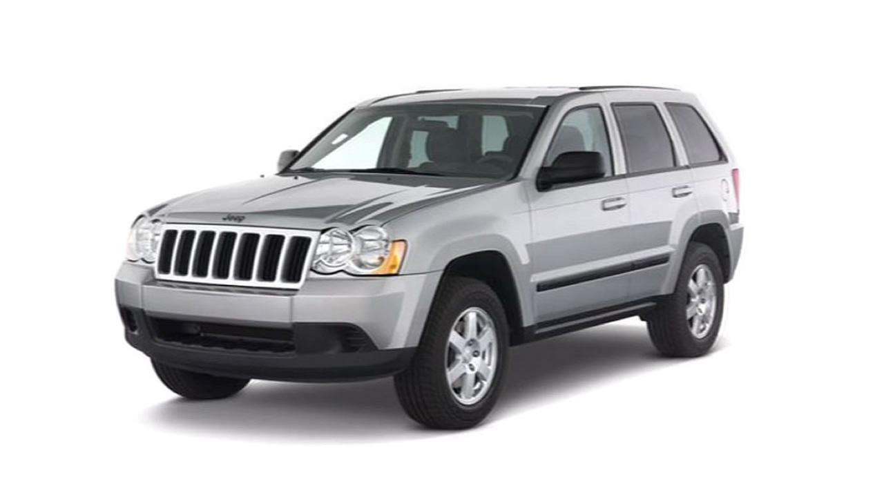 silver Jeep Grand Cherokee
