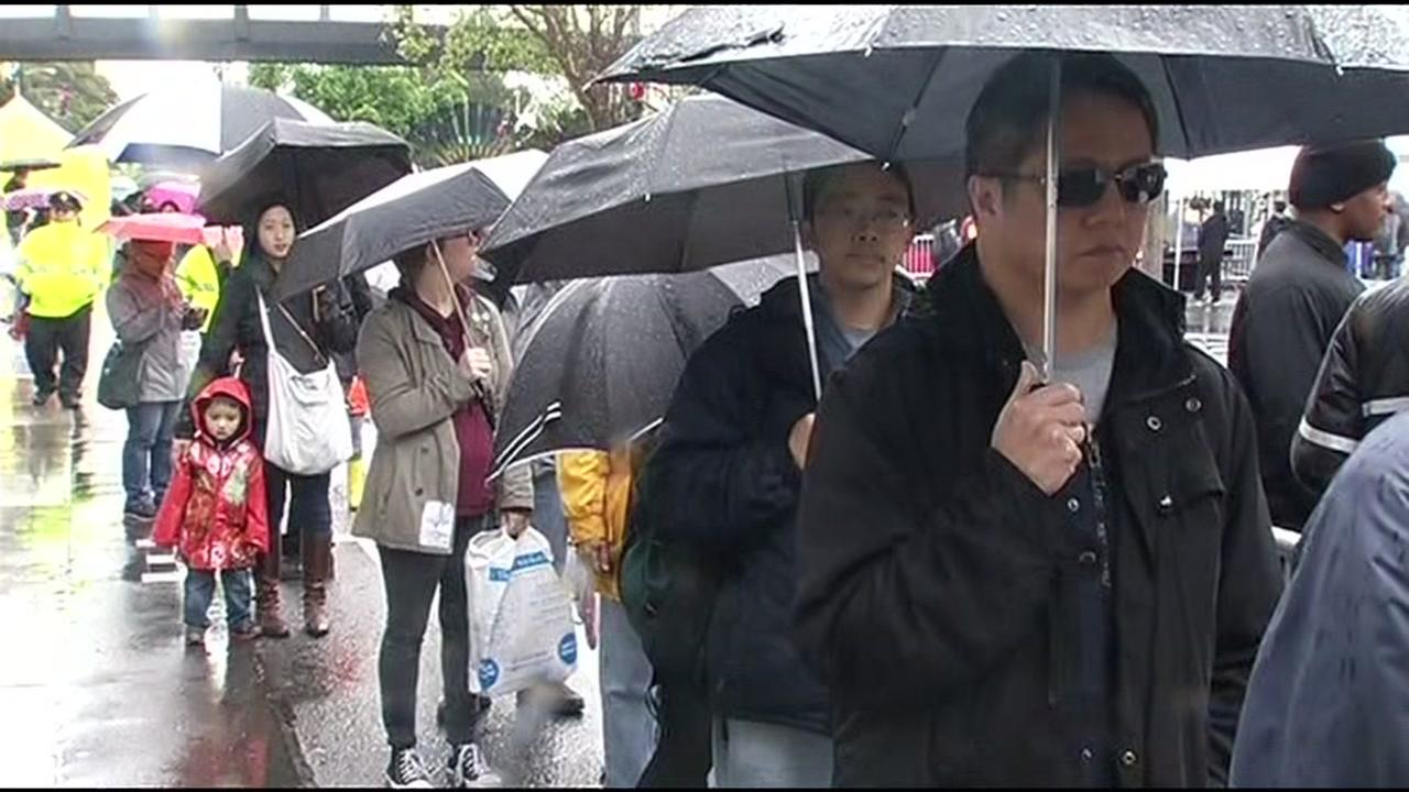 Dozens of people waited in lines in the rain during San Franciscos Cherry Blossom Festival April 9, 2016.