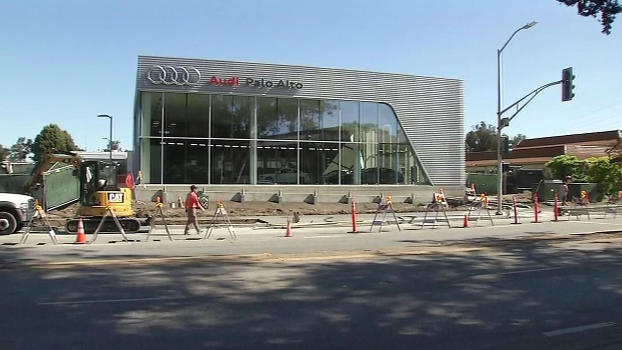 This image shows the Audi dealership in Palo Alto, Calif. April 15, 2016.