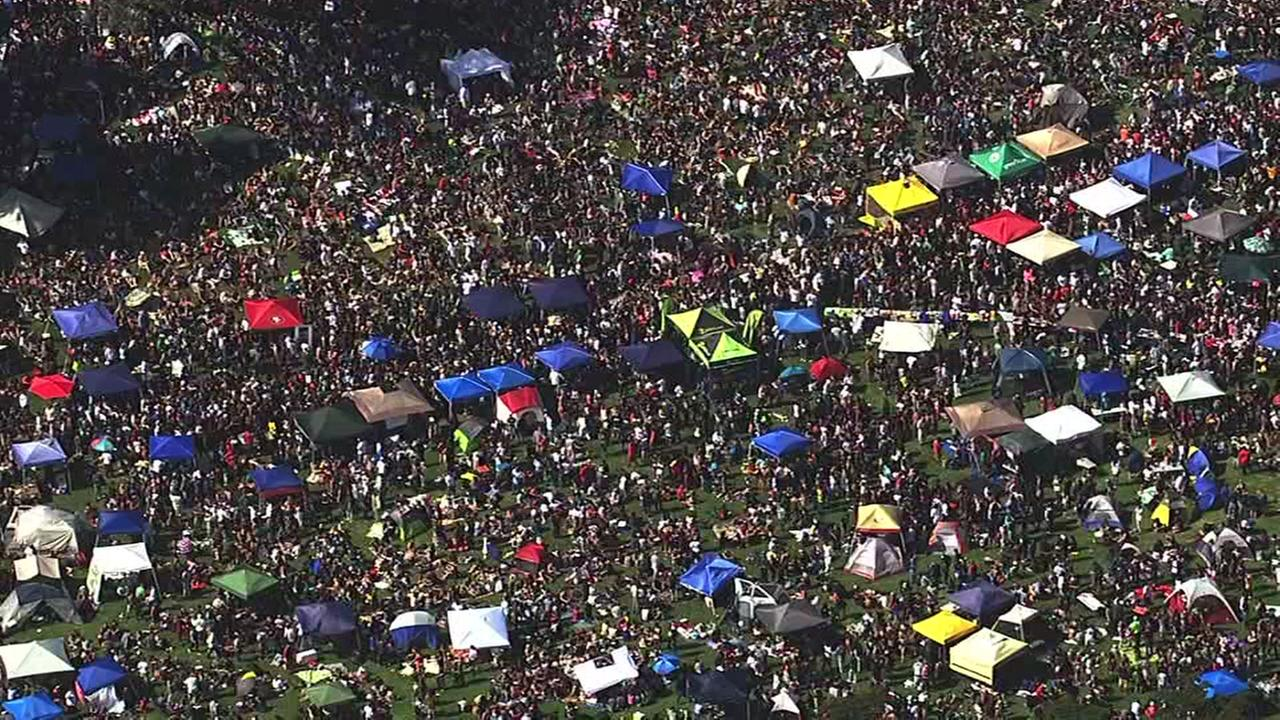 This image shows thousands of people gathered inside Gold Gate Park to celebrate 4/20 in San Francisco April 20, 2016.
