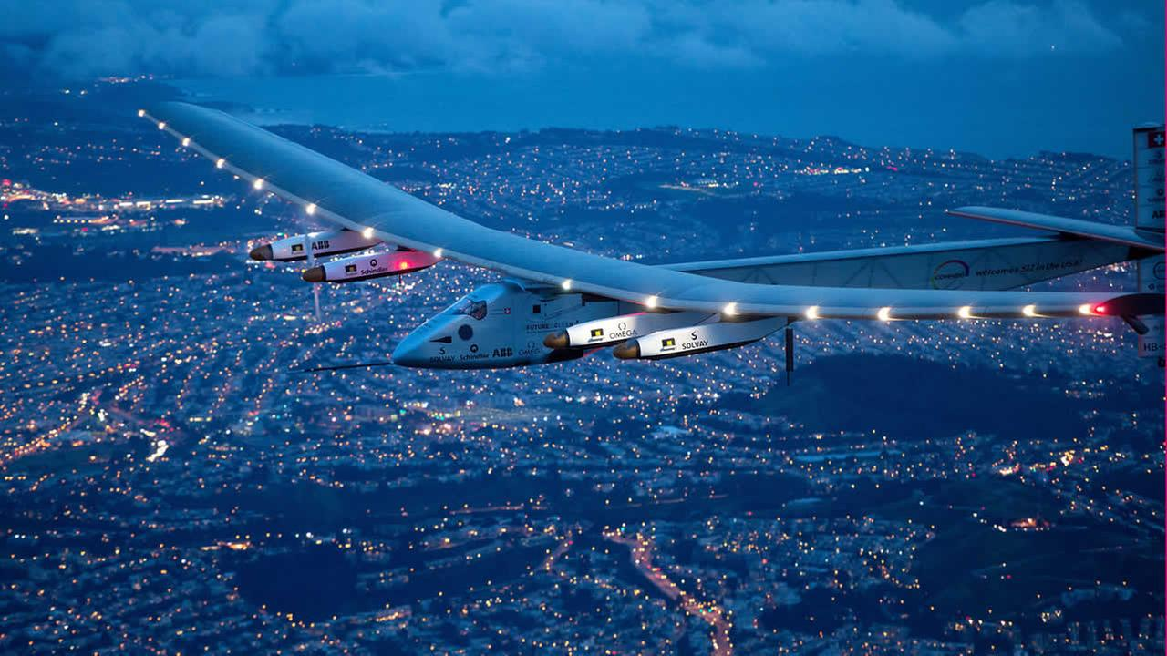 Solar Impulse 2 flies over San Francisco, Saturday, April 23, 2016. (AP Photo/Noah Berger)