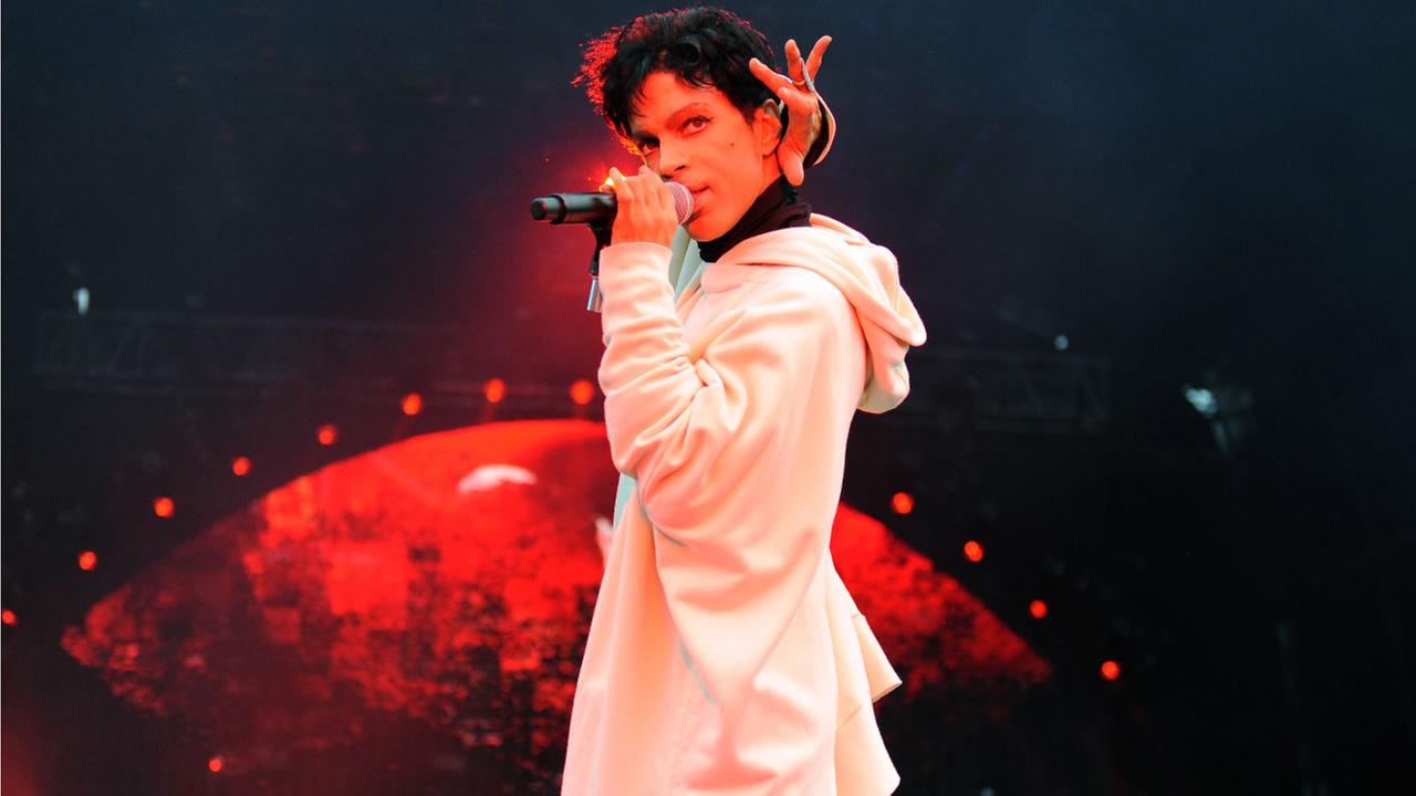 Prince performs during his Welcome 2 Europe tour at Malahide Castle on Saturday, July 30, 2011 in Dublin, Ireland (Photo by Jordan Strauss/Invision/AP)